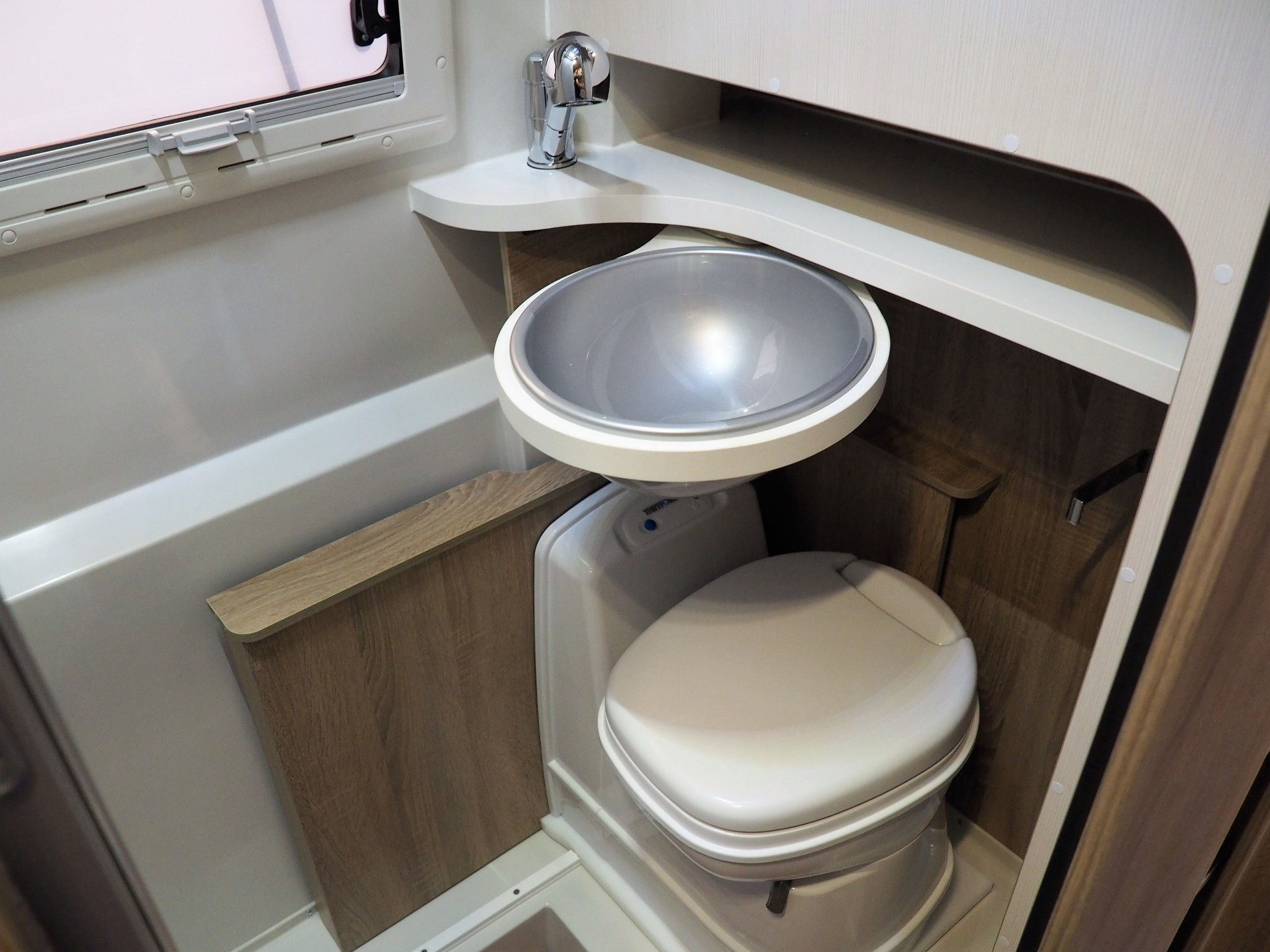 waschbecken wohnmobil. Black Bedroom Furniture Sets. Home Design Ideas